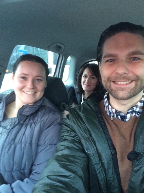 Cesta na súťaž. Michal a Kori pred dňom plným tancovania a Lucia v úlohe fotografa a organizačného tímu